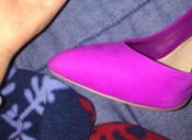 El debate que se toma las redes: ¿El zapato es rosado o lila?