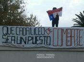 Secundarios del Liceo Confederación Suiza levantaron barricadas esta mañana