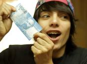 Conocido youtuber debutará este lunes en las pantallas de TVN