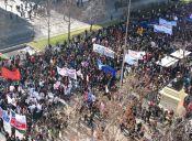 Estudiantes aclaran que marcha no sería por cercanías al socavón de Providencia