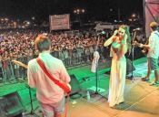 ¡Cumbia nena! Argentinos y el boom por reversionar canciones