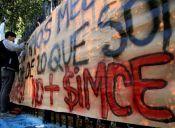 Otra vez: Carabineros reprime violentamente marcha contra el Simce