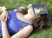 La luz azul de los smartphones afecta a nuestro sueño y podría terminar enfermándonos