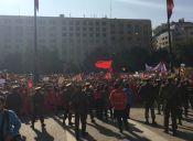 Estudiantes se manifestaron en la Moneda en contra del aborto