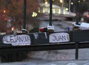 ¿Por qué las parejas ponen candados en los puentes?