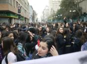 Alumnas en toma del Liceo N°1 también están en contra de la reforma educacional