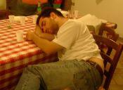 15 cosas que suelen pasar cuando nos quedamos dormidos en un carrete