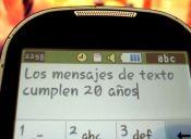 """Flz cumplñs"": Mensajes de texto cumplen dos décadas"