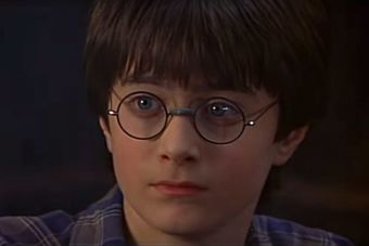 J. K. Rowling revela los orígenes de la capa de invisibilidad de Harry Potter
