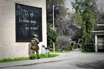 Dirigente del Instituto Nacional acusa agresiones por parte de Carabineros