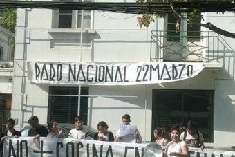 Estudiantes secundarios protestaron en contra de las