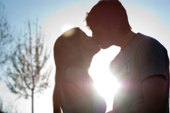 Secundarias enamoradas de universitarios: Atractivo pero peligroso