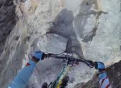 [Videos] Un arriesgado descenso en mountain bike