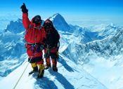 Expedición chilena intentará subir el Everest y el Lhotse en 3 días