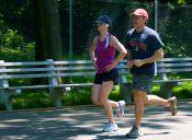 ¿Cómo evitar el dolor abdominal al correr?