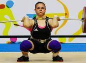 María Fernanda Valdés obtiene primer lugar en sudamericano de levantamiento de pesas