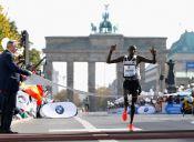 Suspenden por dopaje a representantes del récord mundial de maratón