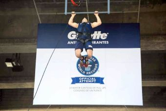 Chileno bate récord Guinness en pull-ups consecutivos