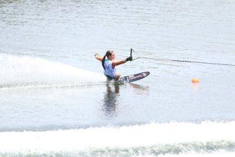 Valentina González vuelve a batir marca de esquí naútico categoría figuras
