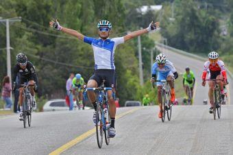 Chileno Sebastián Reyes se queda con la primera etapa de la Vuelta Ciclista Internacional del Maule 2015