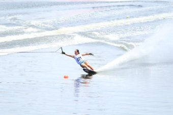 Valentina González bate récord adulto chileno de esquí náutico en categoría figuras