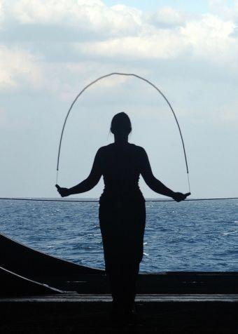 8 beneficios de saltar la cuerda