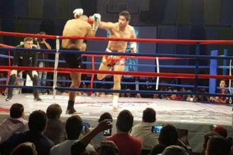 Chileno Iván Galaz mantiene su título mundial de kickboxing
