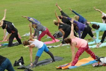 Conoce estas increíbles rutinas de yoga para principiantes