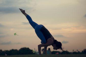 Las mejores posturas de yoga para adelgazar