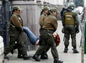 Con 20 detenidos terminó la protesta de un grupo de estudiantes en el ex Congreso Nacional