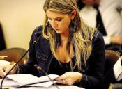 Diputada Sabat propone eliminar cobros extras por examen de grado y defensa de tesis