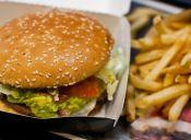 Beca Junaeb: en 2016 se gastaron $21 mil millones en lugares de comida rápida