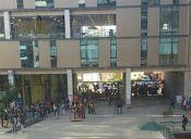 Estudiantes de la U. Andrés Bello de la sede de Viña se tomaron las instalaciones