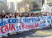 Estudiantes vuelven a marchar en vísperas de los 40 años del Golpe Militar