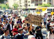 Estudiantes vuelven a marchar a un mes de las elecciones presidenciales