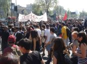 Confech y Secundarios evalúan aplazar la marcha del 24 tras el incendio en Valparaíso