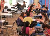 Municipio de Santiago clausuró Campus de Medicina de la U. Pedro de Valdivia