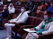 Egresados de Medicina acusaron