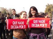 Revista Salon critica atentados contra los derechos de las mujeres en Chile