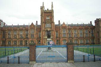 Queen's University Belfast ofrece becas para universitarios que deseen estudiar en Irlanda