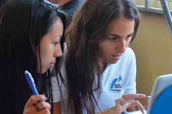 Fundación Por Una Carrera abre las postulaciones para su voluntariado 2015