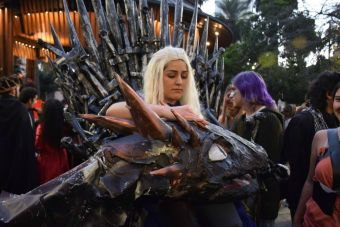 Estudiantes se manifestaron al más puro estilo 'Game of Thrones'