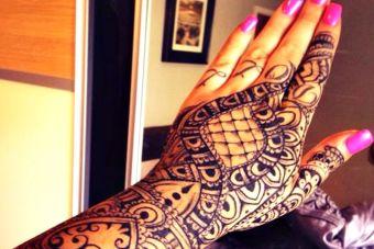 Esta chica duró 30 minutos en un trabajo por su tatuaje