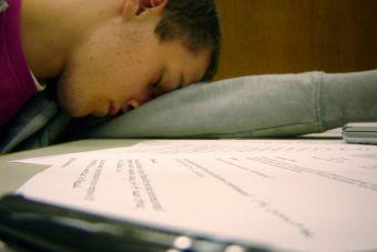 ¿Te cuesta estudiar? 6 simples y potentes acciones que te ayudarán a concentrarte