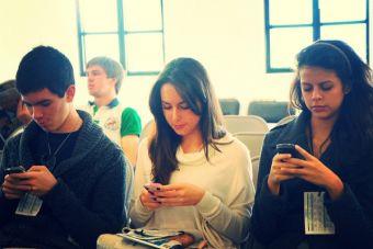 ¿Universitarios distraídos?: App mide y controla el uso de tu smartphone