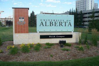 Postula a becas para estudiar un semestre en Canadá