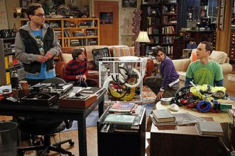 The Big Bang Theory: Doctorados, postgrados y genialidad en la vida real