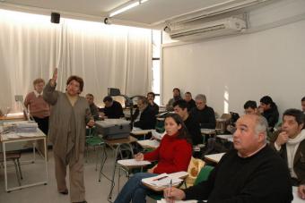 Director propuso carrera docente ligada al mérito profesional