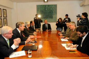 Ministro Eyzaguirre se reunió con las privadas adscritas al Sistema Único de Admisión