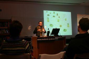Flora y Fauna Universitaria: El profesor que copia todo de Internet